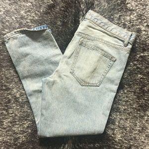Free people light wash boyfriend jeans 29